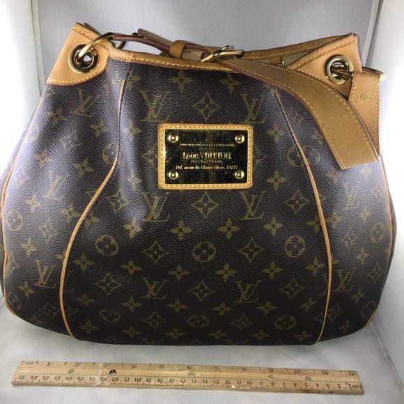 8e79e0f9d8fc Louis Vuitton Handbags - Authentic Louis Vuitton Galliera Date Code FL2140